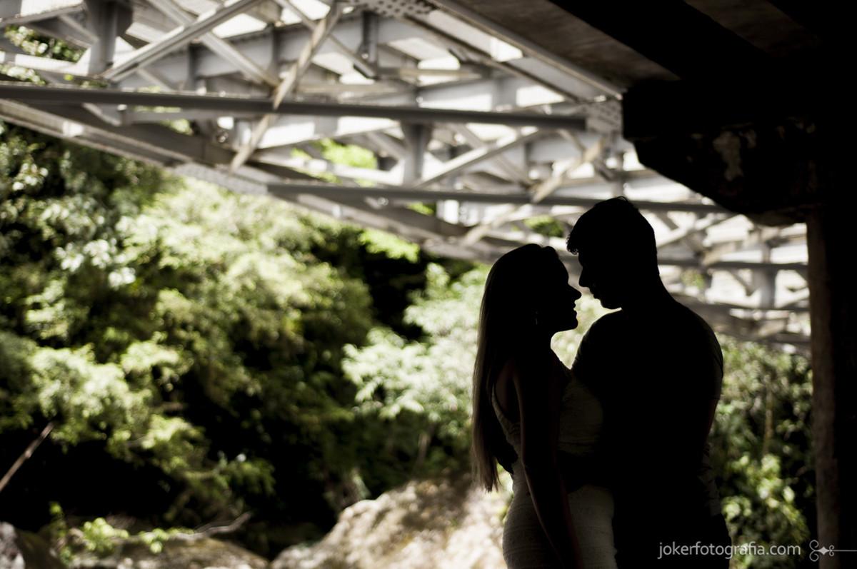 004-casal_silhueta_ponte_ensaio_noivos_fotografia