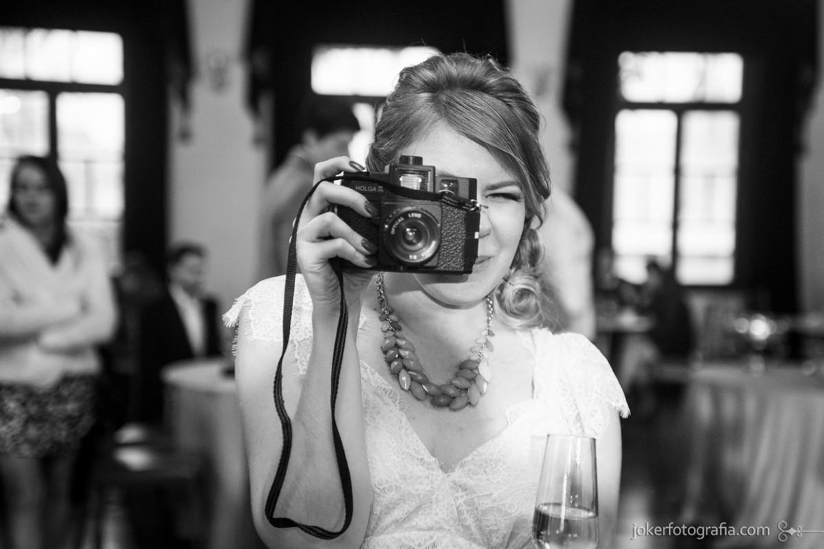027-noiva_fotografa_lomo_lomografia_casamento_holga_camera_retro_vintage