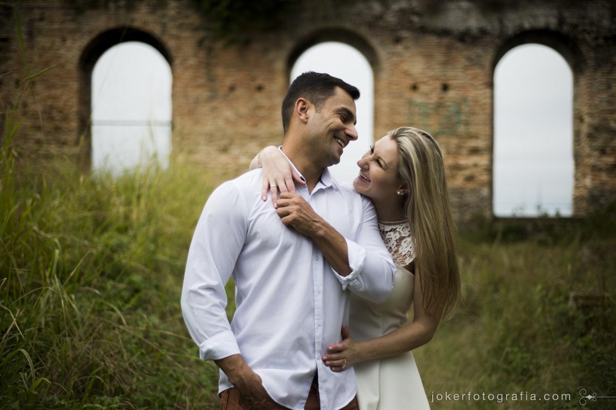 idéias de pose para ensaio pré casamento