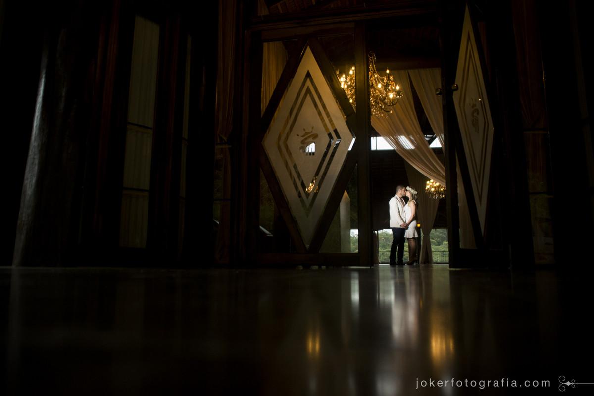 entrada dos noivos no salao