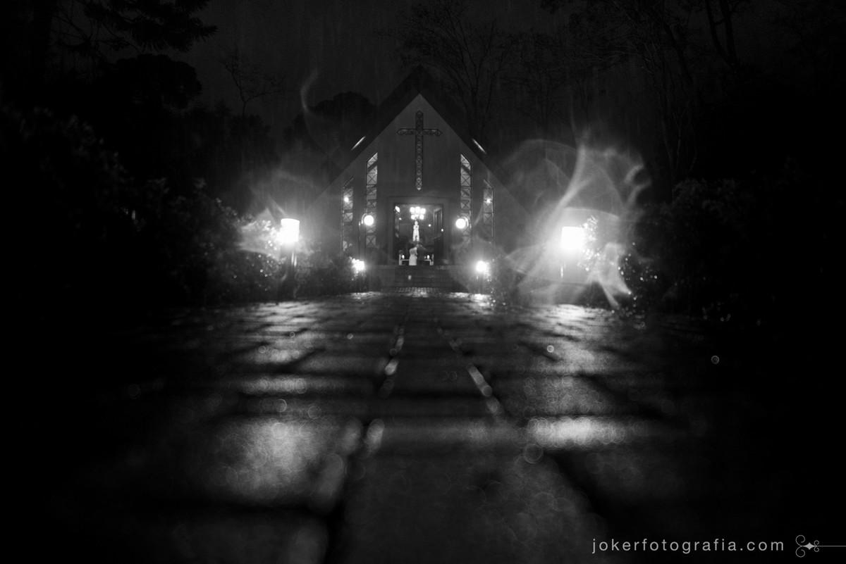 casamento com chuva na capela nossa senhora de salette em curitiba
