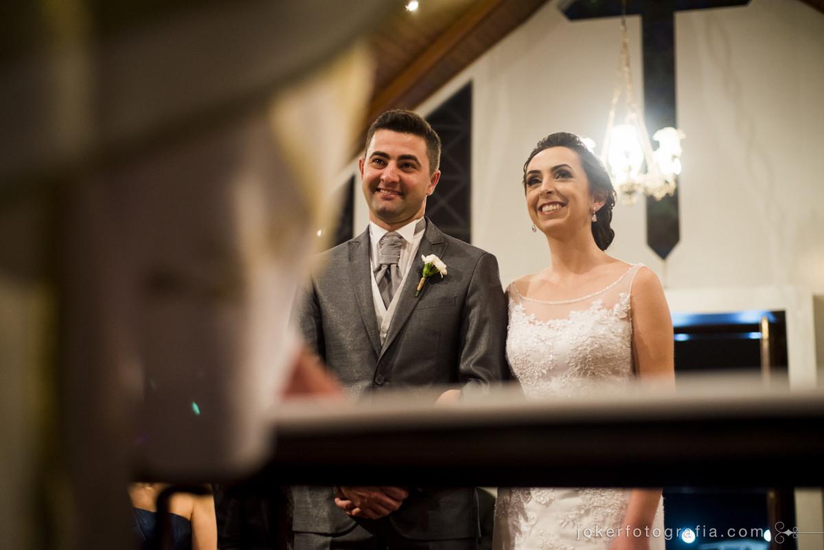 casal de noivos na cerimonia