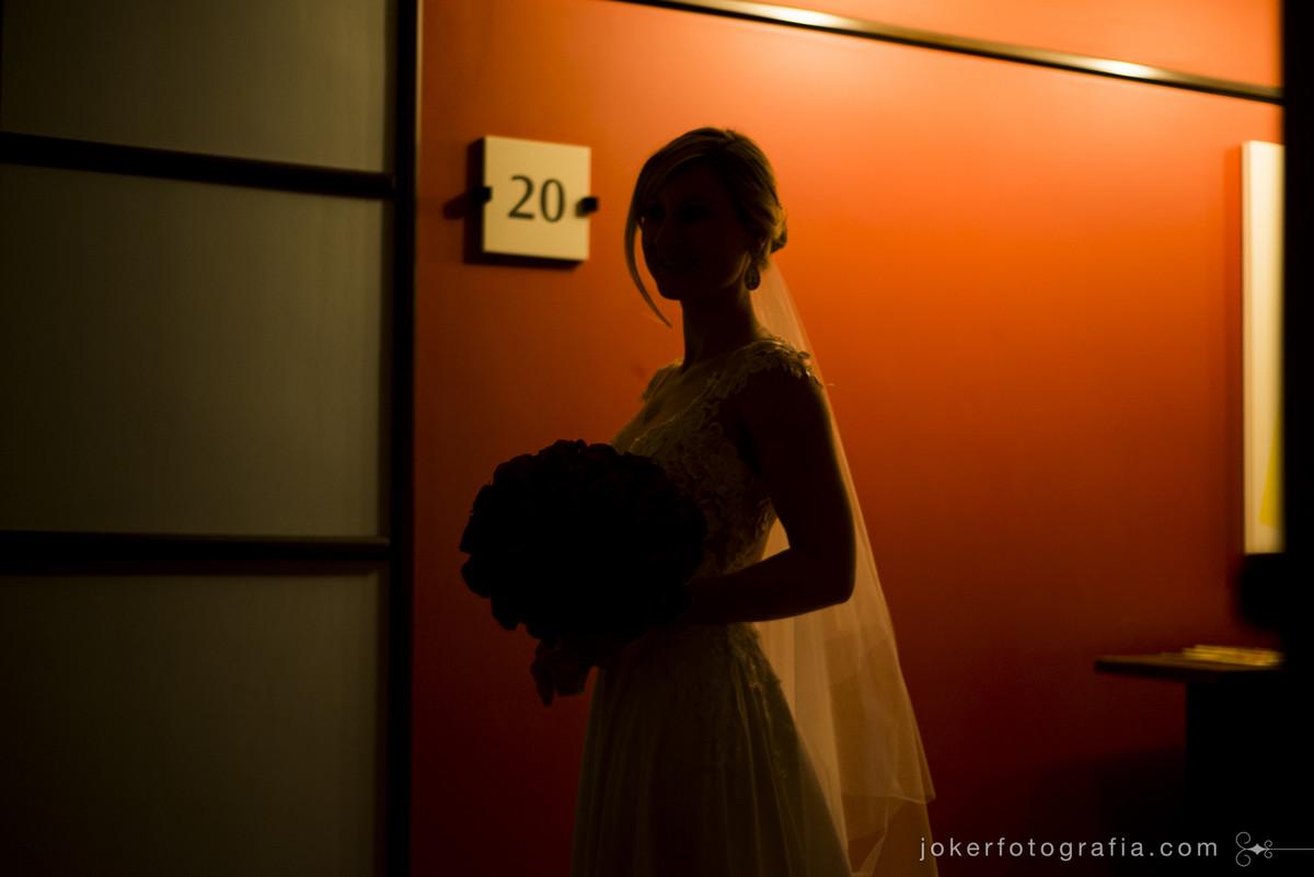 silhueta de noiva no dia do casamento hotel pestana