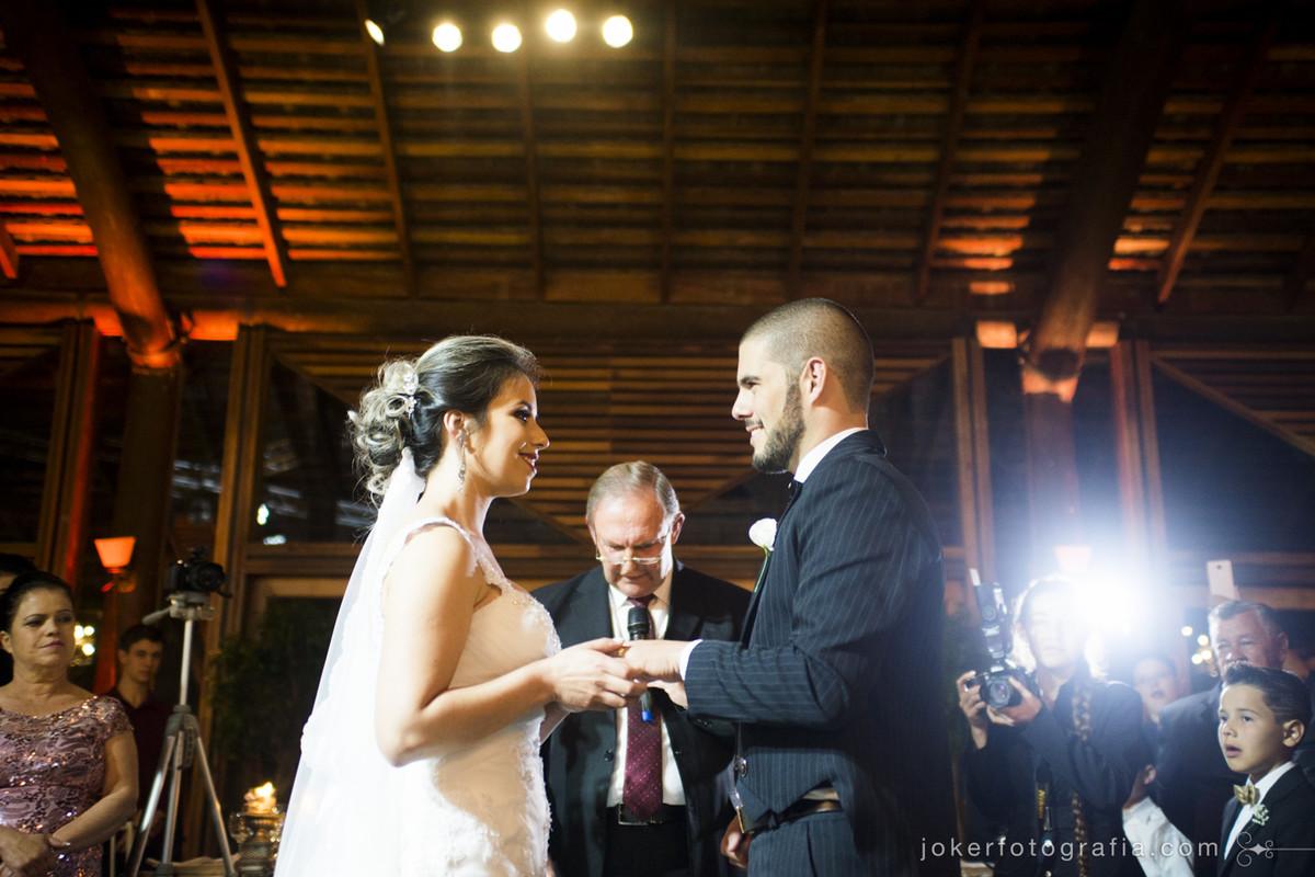cerimônia de casamento do santa mônica clube de campo em curitiba vale a pena investir em iluminação cênica no casamento?