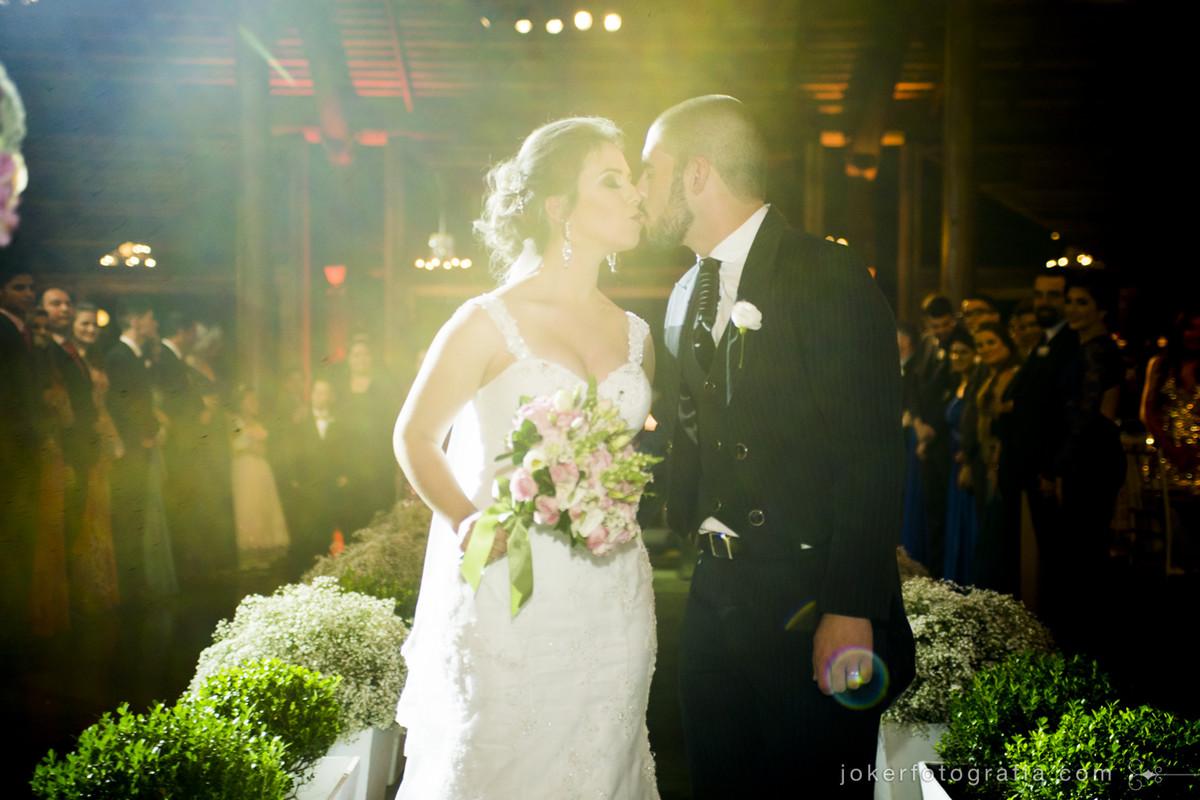 vale a pena investir em iluminação cênica no meu casamento?