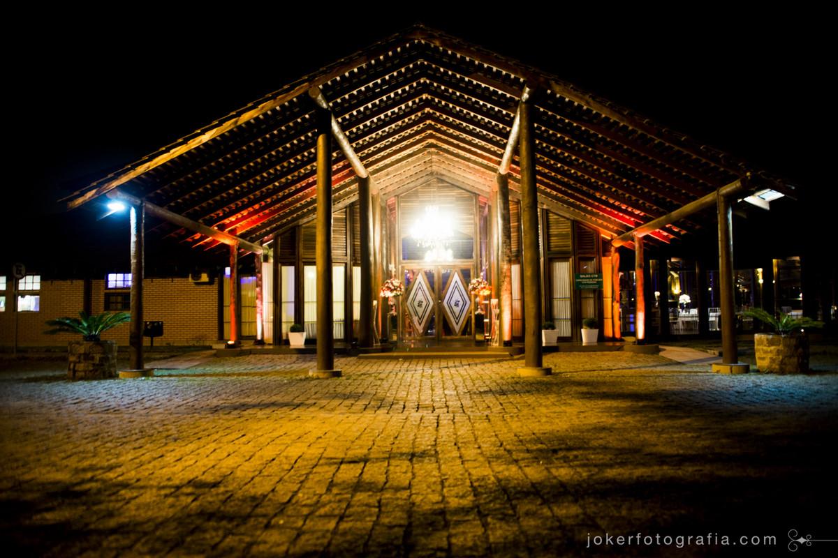 salão CTB do santa monica decorado para casamento a noite