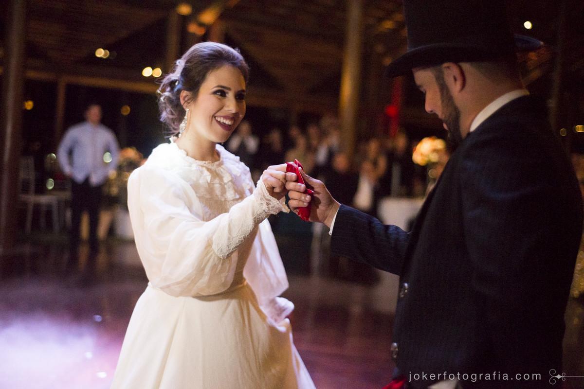 vestido de manga comprida para noiva em dança típica do rio grande do sul