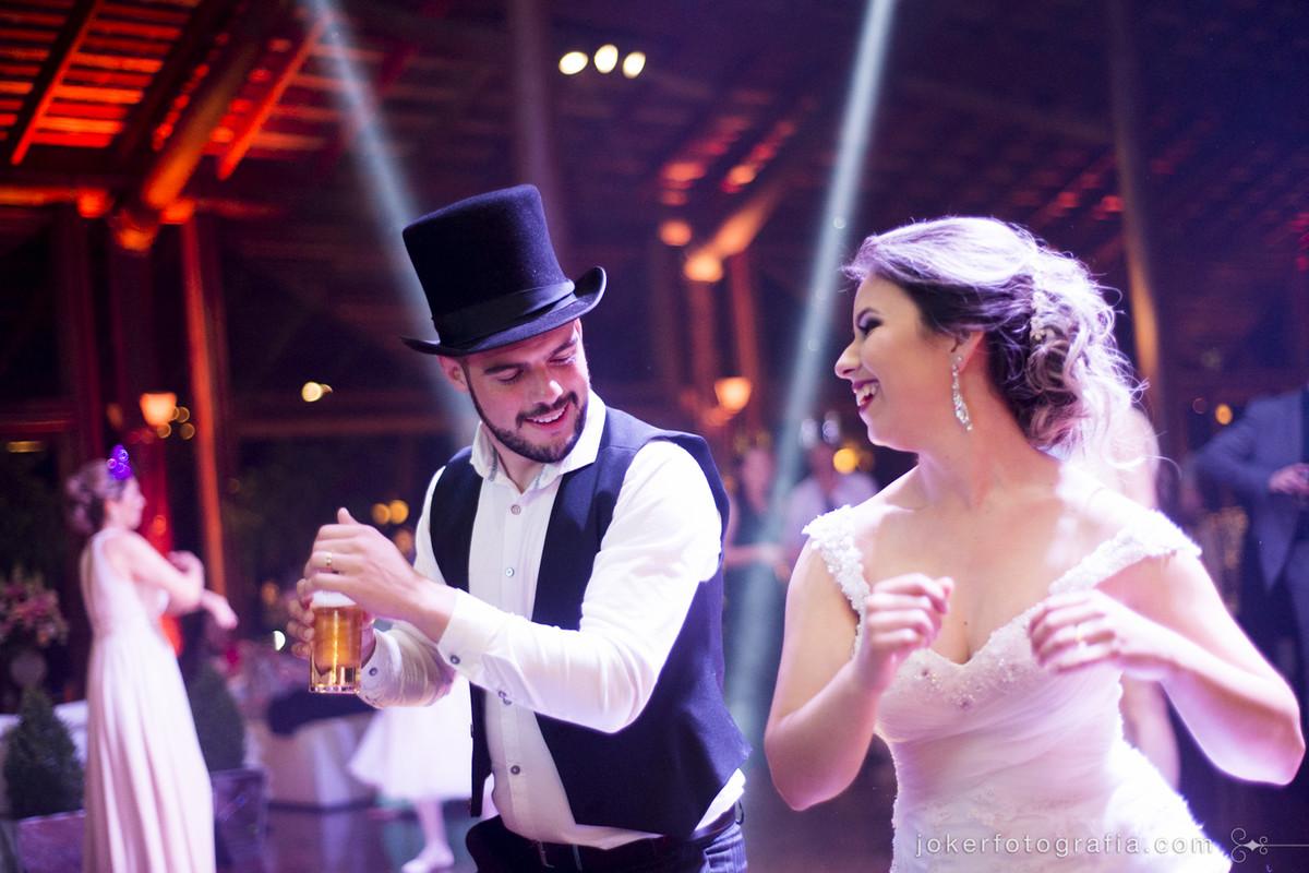 fotógrafo de casamento em curitiba descontraído para casamentos diferentes