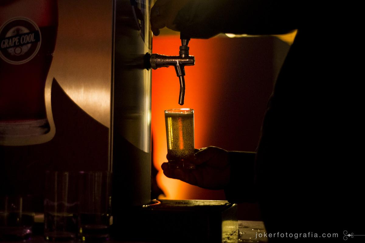 barril de chopp no casamento por fotógrafo de curitiba