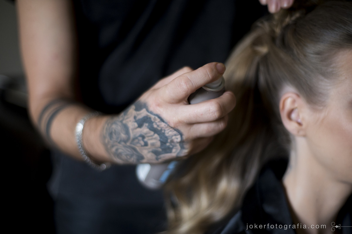 cabeleireiro que faz hair e make up para noivas em curitiba