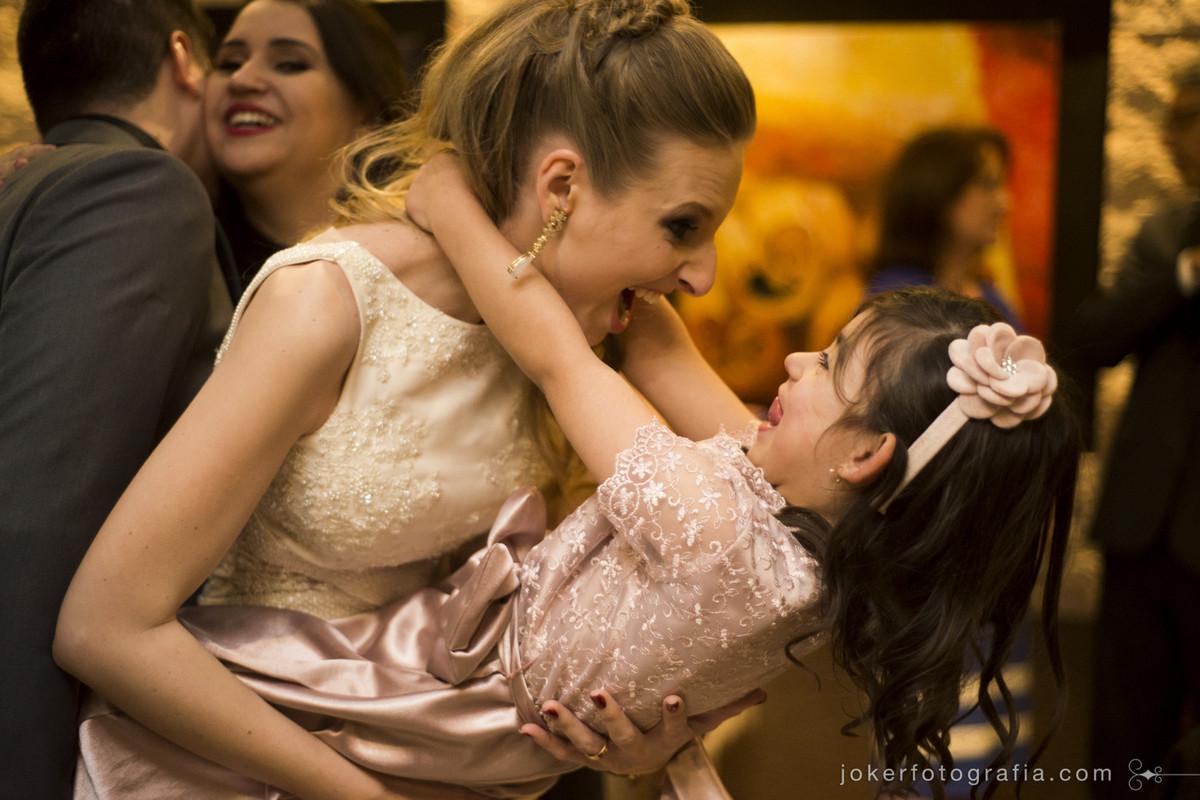 crianças no casamento deixam o evento mais divertido