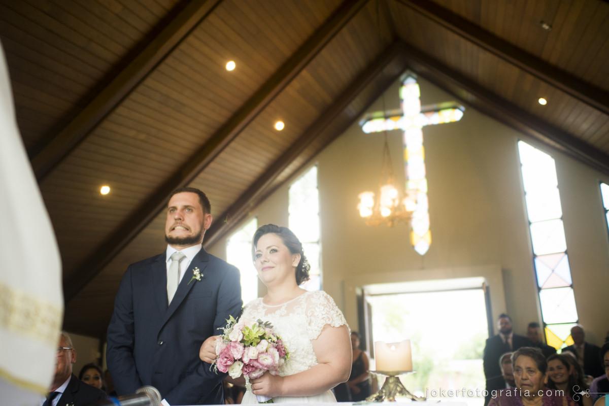 fotografia de casamento divertida com caretas dos noivos viraliza na internet