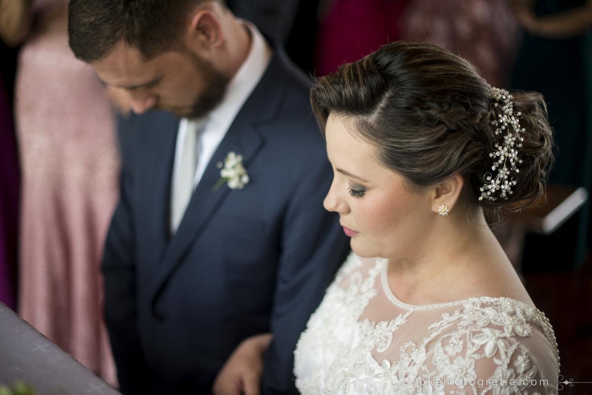 casal de noivos na igreja nossa senhora de salette