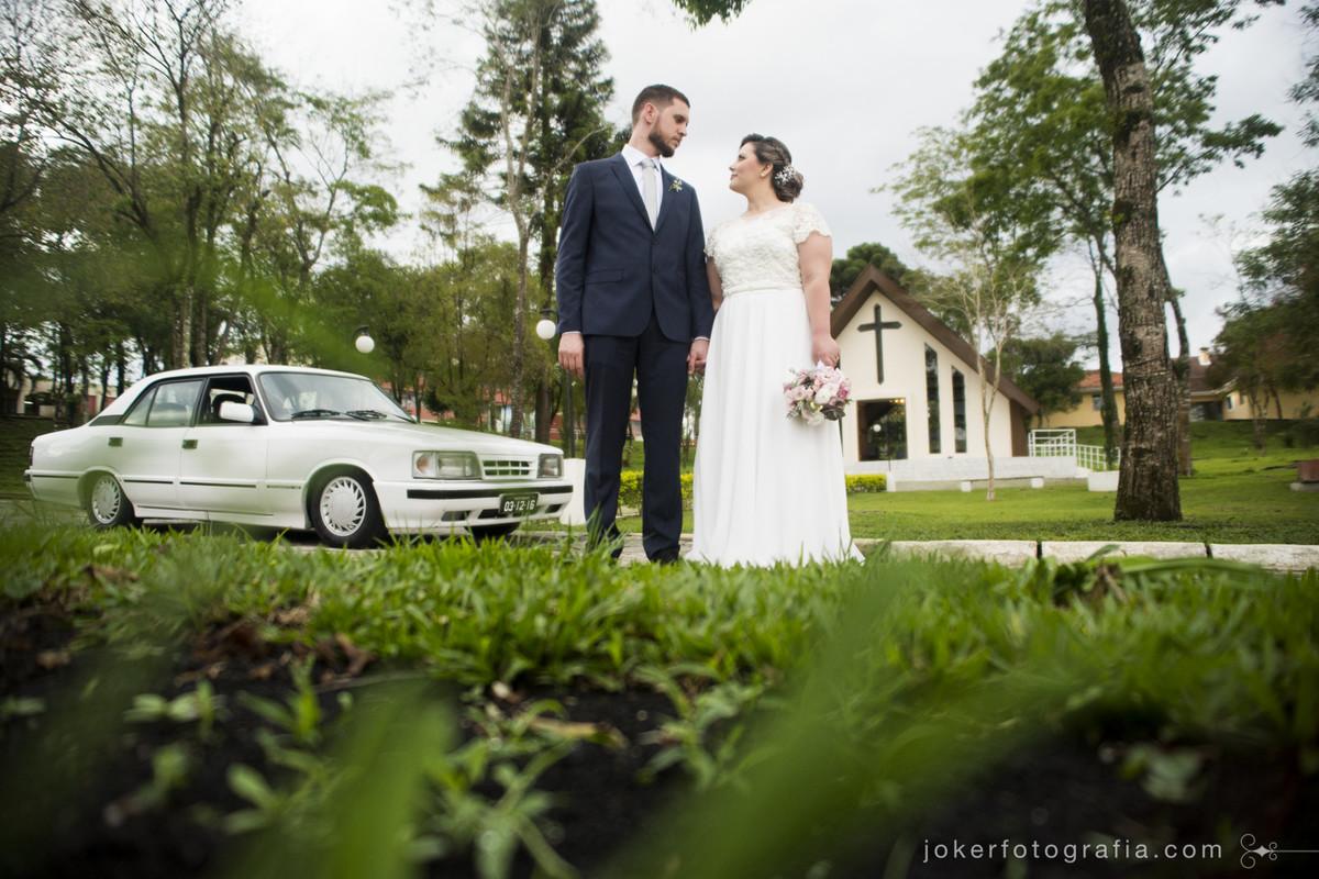 noiva escolhe opala para fazer sua entrada no dia do casamento