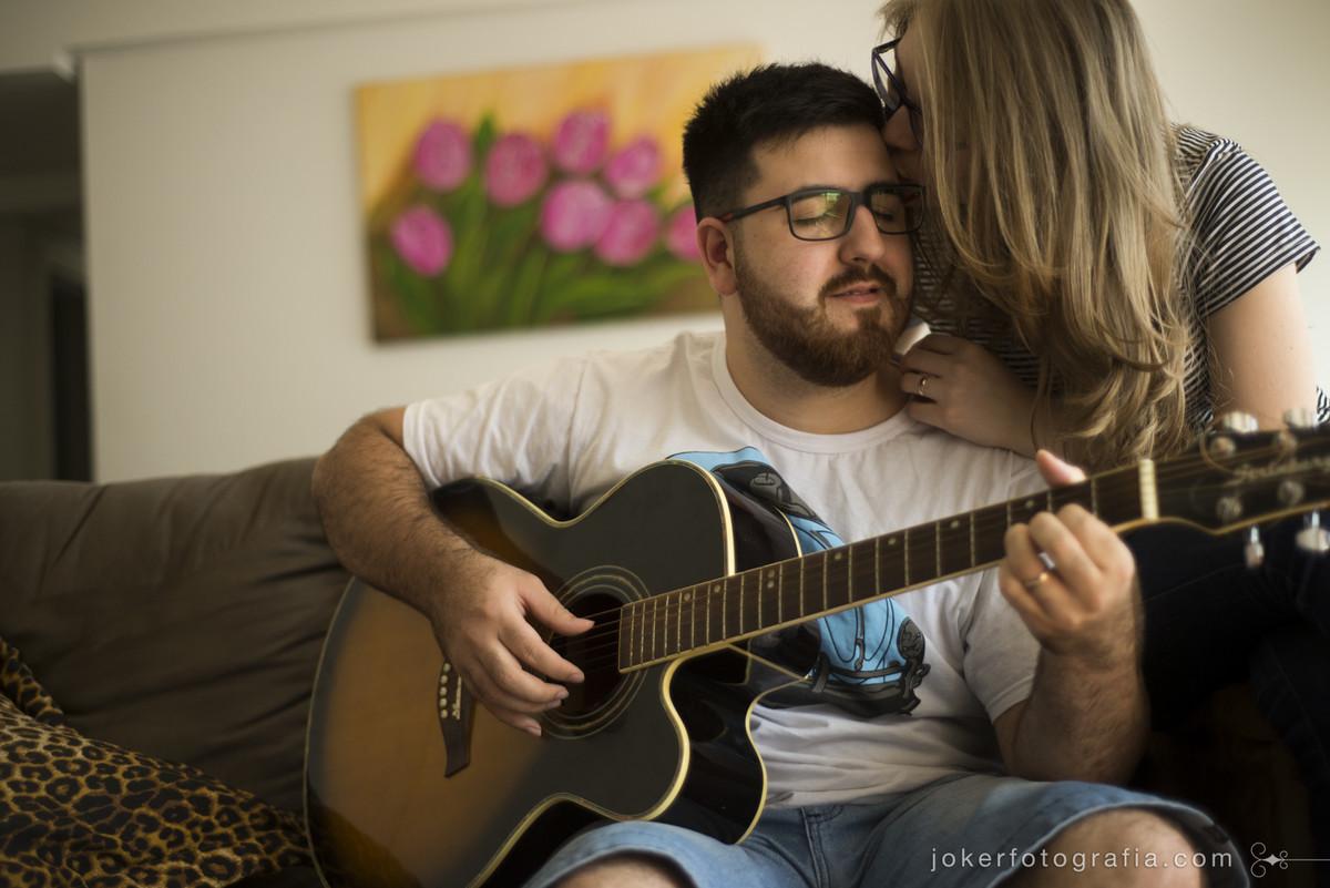 fotografo faz ensaio de casal em casal registrando momentos unicos