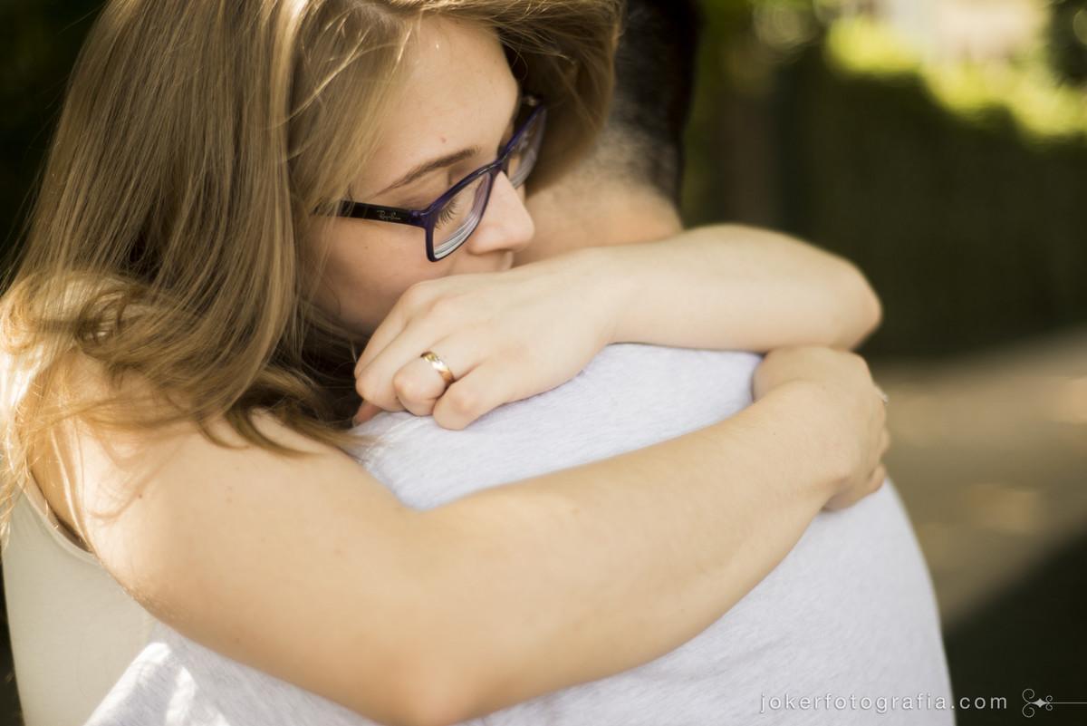 abraço da noiva na hora do beijo