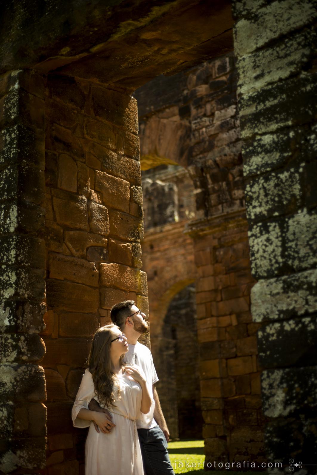 já pensou em fazer seu ensaio pré casamento em ruínas históricas de mais de 200 anos?