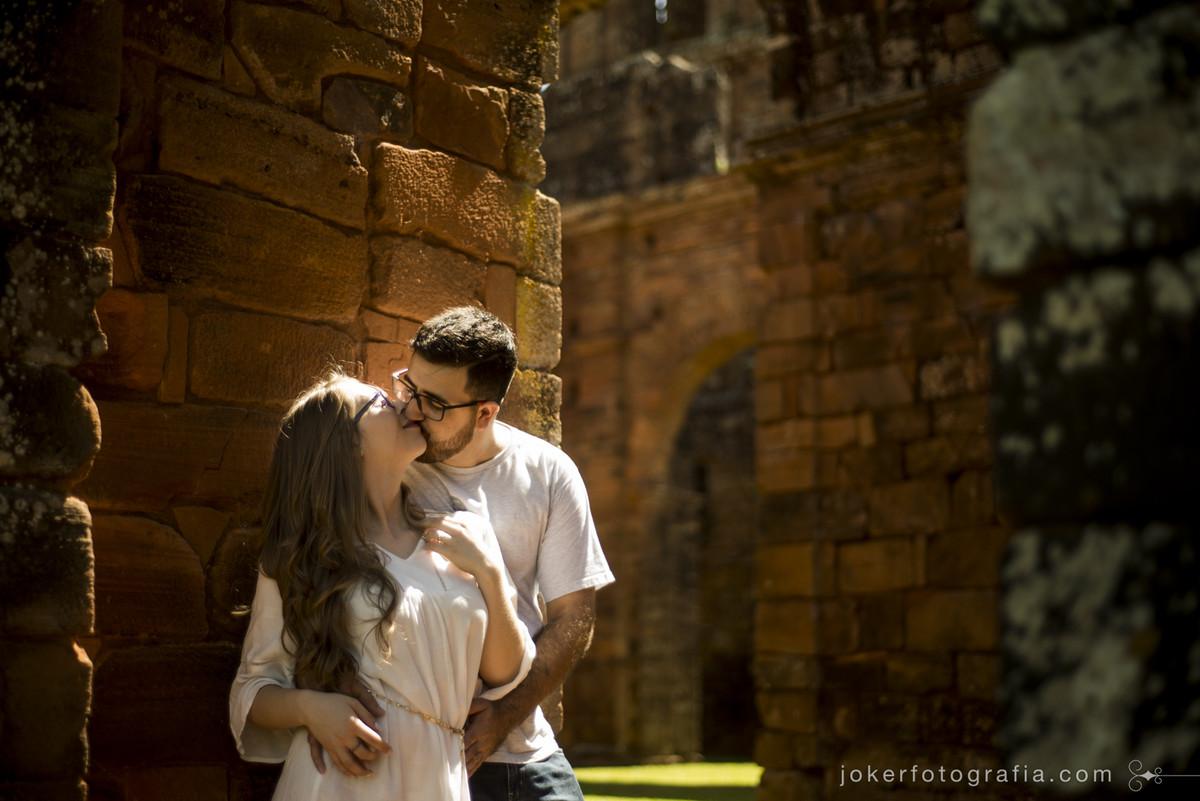 Fotógrafo de casamento nas ruinas de são miguel arcanjo no rs
