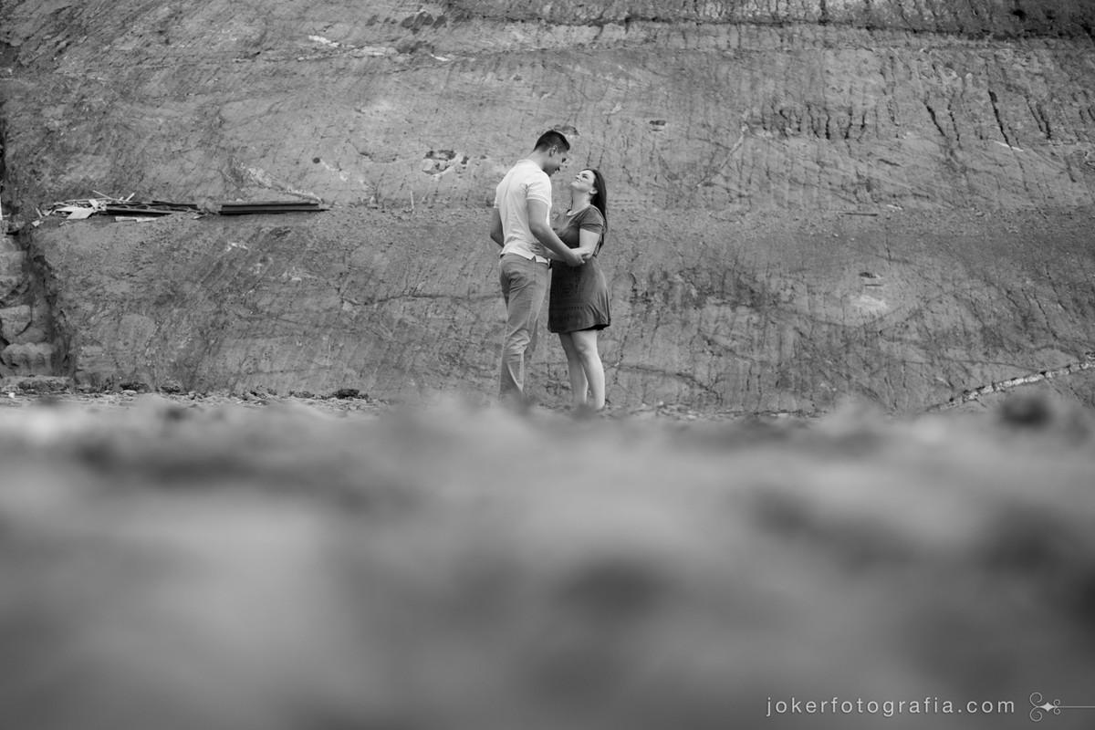 os fotógrafos viram este lugar na beira da estrada e paramos para fotografar nosso ensaio pré casamento. Nem imaginávamos que as fotos ficariam tão diferentes!