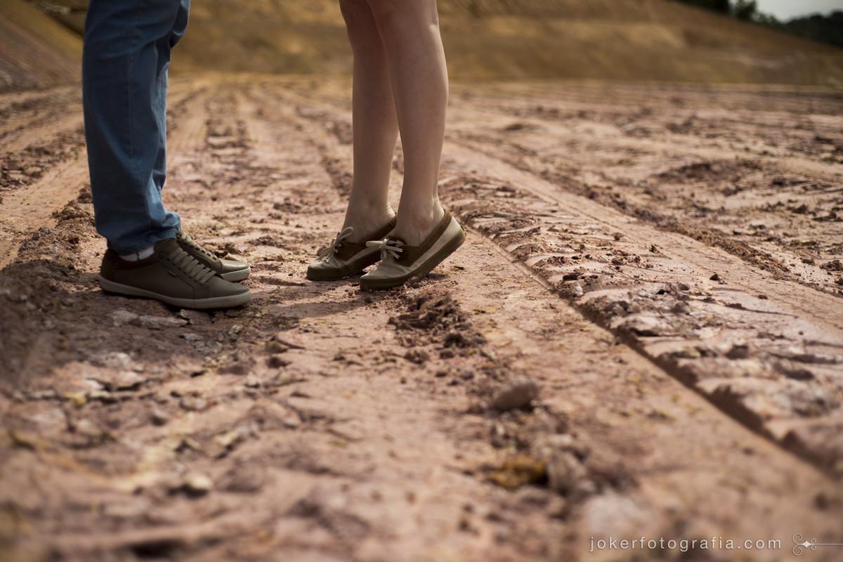 fotografar esses detalhes, como quando o noivo é alto e a noiva é baixinha e fica na ponta dos pés