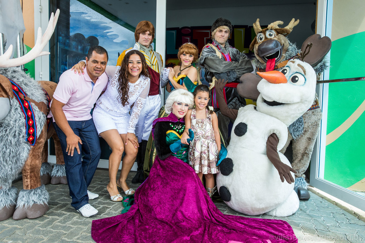 aniversario Lara, decorado frozen, personagens frozen
