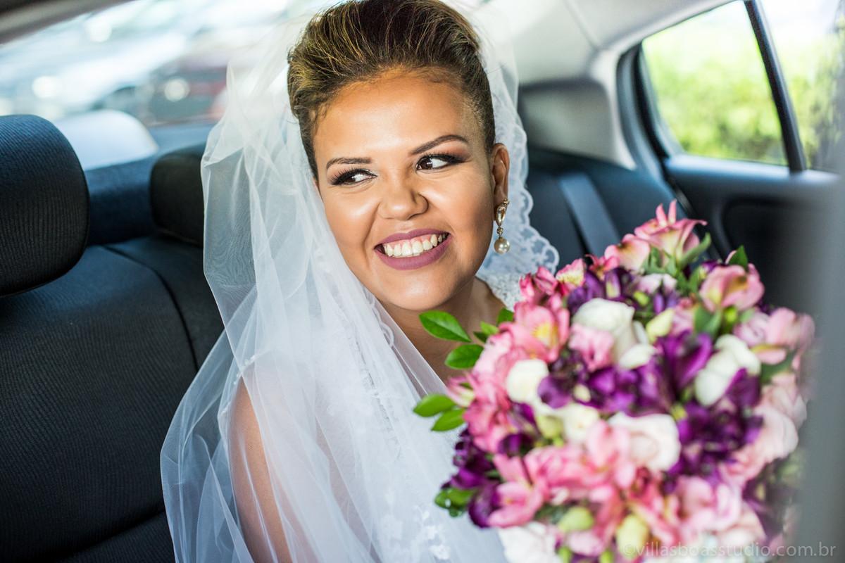 a chegada da noiva, noiva no carro , carro da noiva, marcelovillasboas, noiva sulamita , la capella eventos.