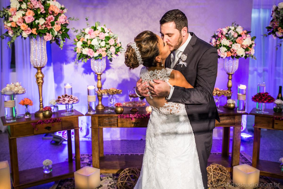 abraço dos noivos, beijo dos noivos, marcelovillasboas, la capella eventos
