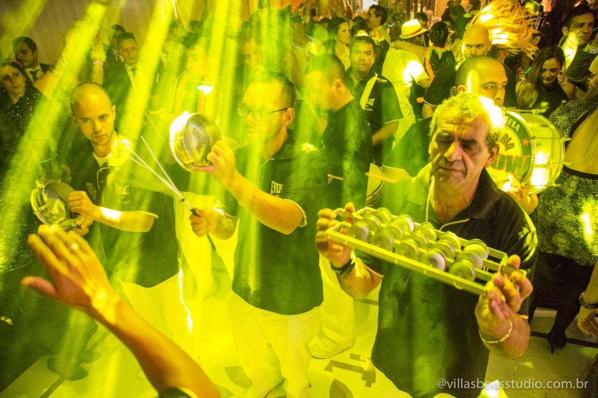 samba no casamento, bateria de samba, escola de samba.