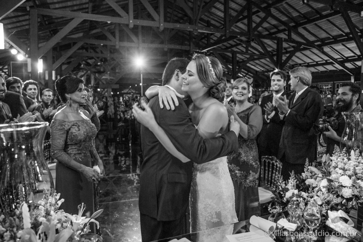 abraco do noivo, abraco da noiva, padrinhos , madrinhas.