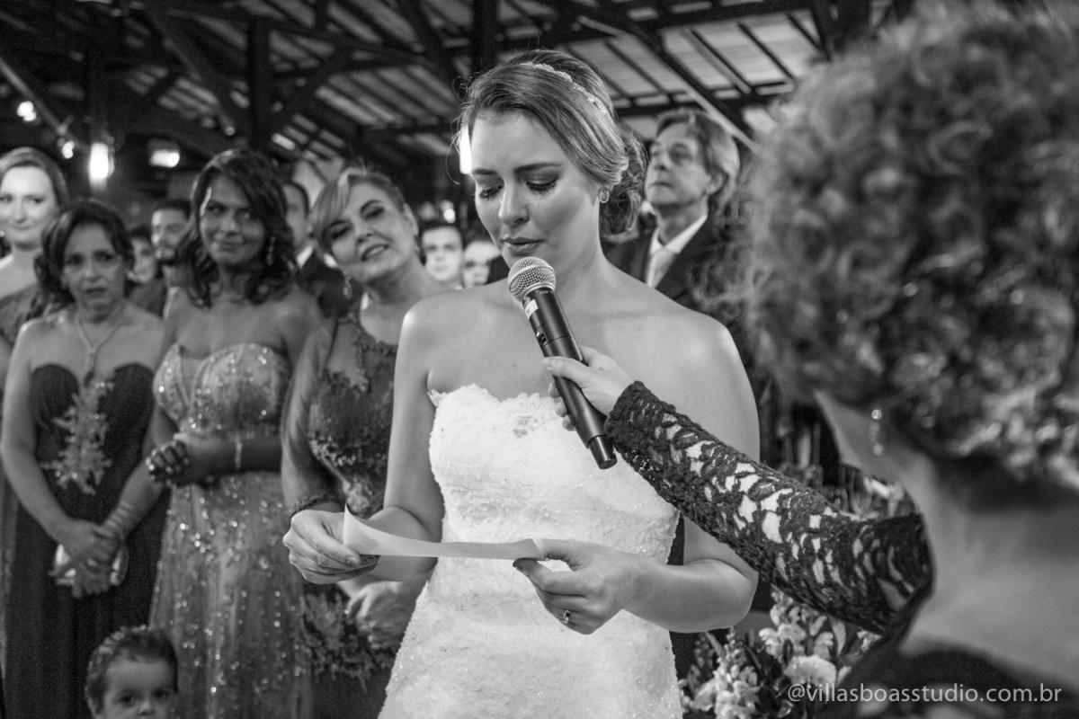 noiva, votos da noiva, noiva chorando, emocao da noiva.