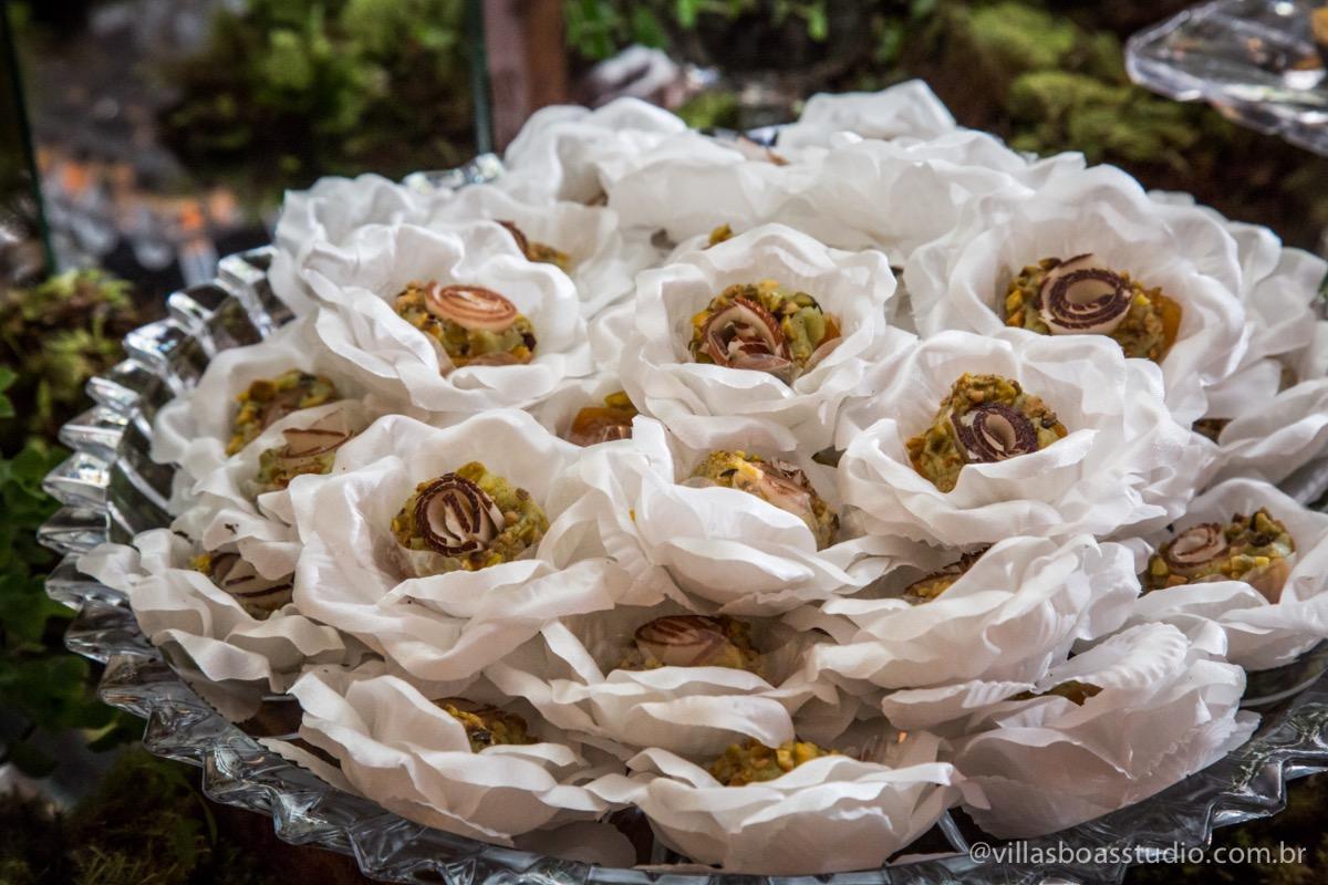 Decoração Trópicos Buffet, aniversario Nermin Saadi, clube de campo de mogi das cruzes, 15 anos, byclara doces finos