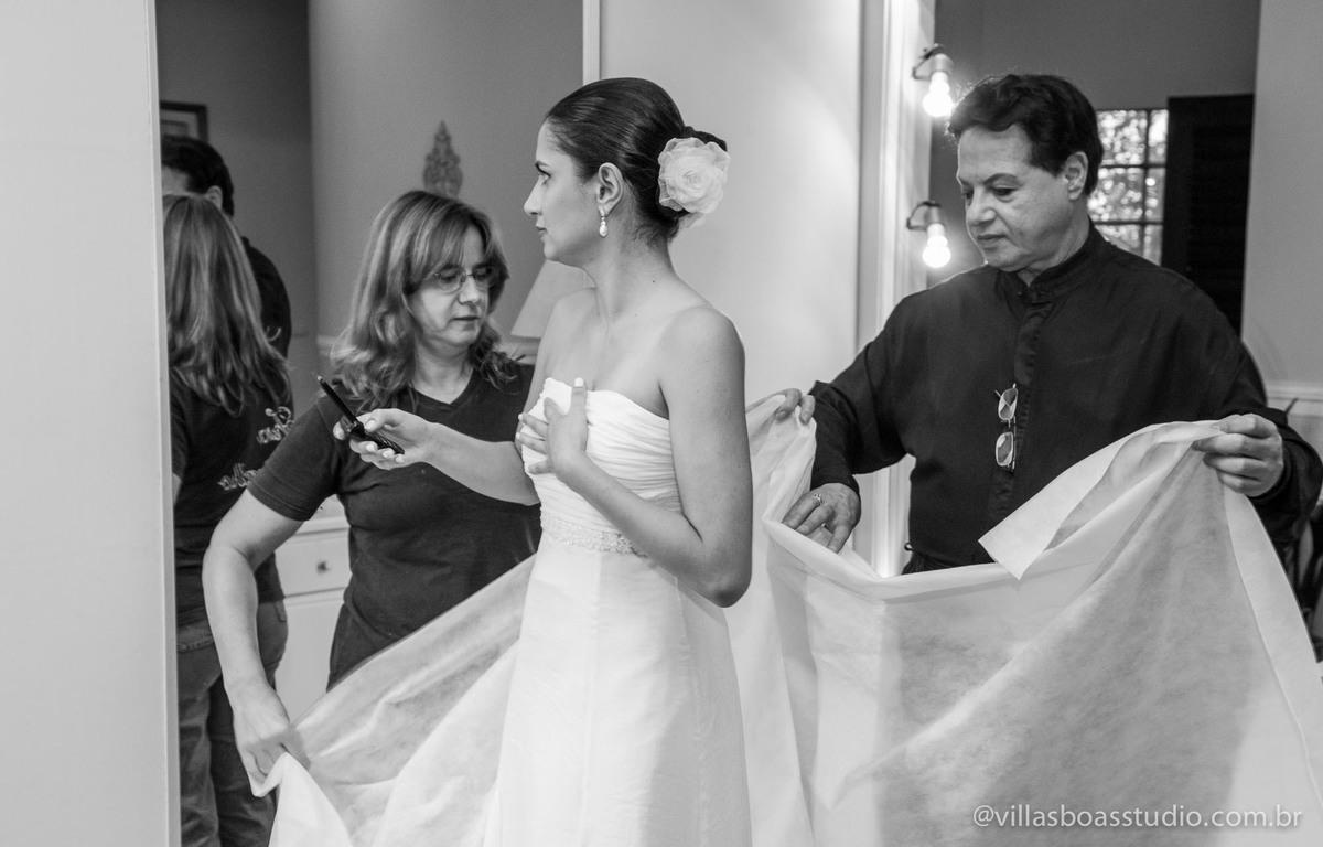 making da noiva, @villasboasstudio, marcelo villas boas fotografo, Mogi das cruzes, casa da arvore, noiva linda, vestido da noiva, estilista Fran Carvalho, belo vestido, casamento de dia.