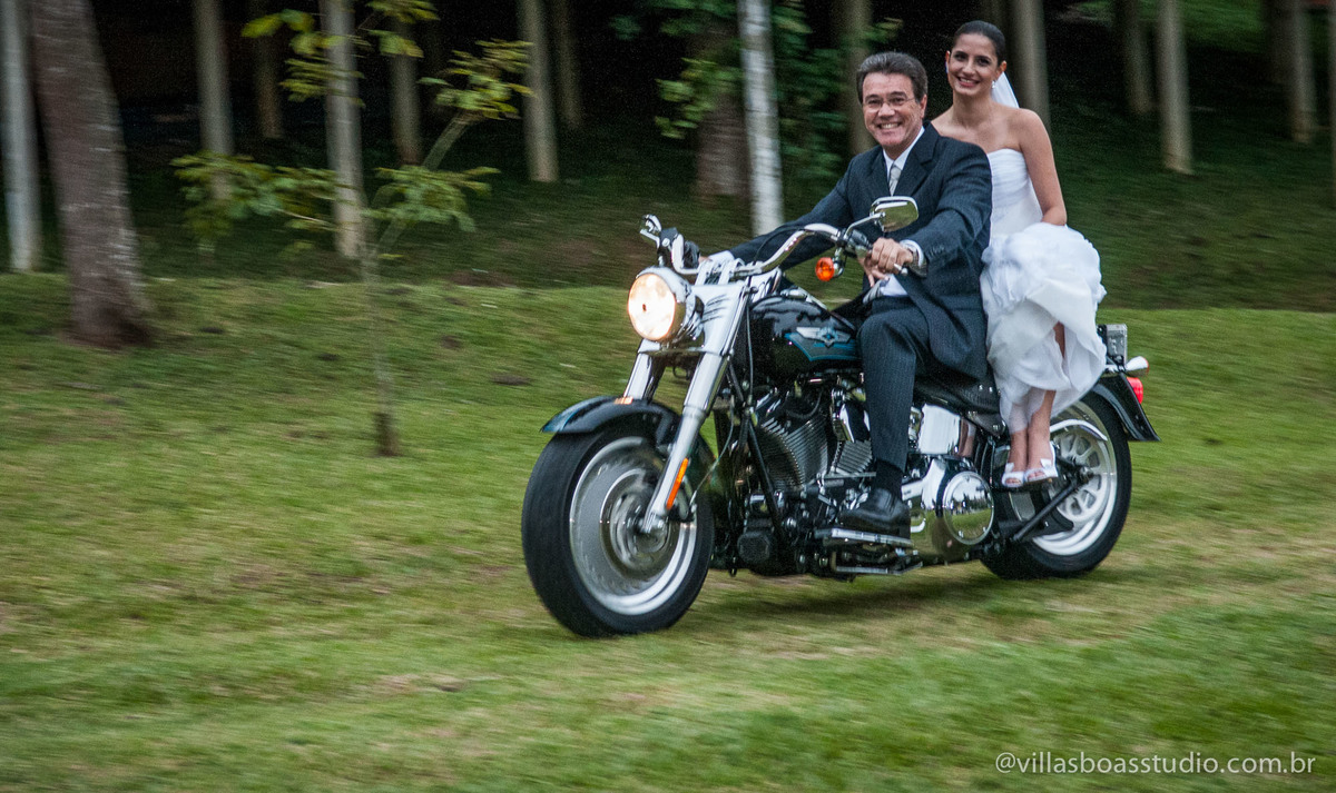 Mogi das Cruzes, @villasboasstudio, marcelo villas boas fotografo, casa da arvore, tenda, entrada da noiva, chegando de Harley