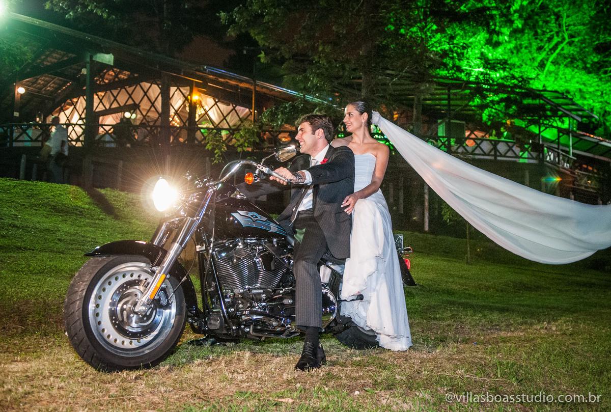 Mogi das Cruzes, @villasboasstudio, marcelo villas boas fotografo, casa da arvore, tenda, entrada da noiva, Tenda , casamento de dia, Harley Davision