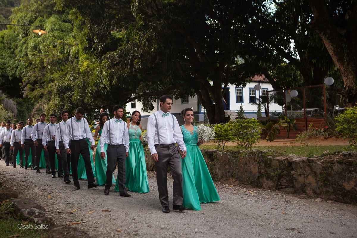 Casamento no Espaço Batalha em Cantagalo-RJ, madrinhas, casamento de dia, casamento no campo, casando na serra, fotografia de Gisela Salles