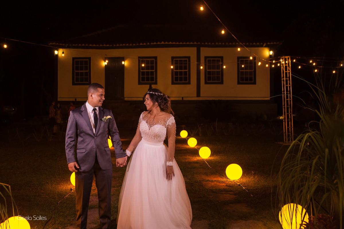 Casamento no Espaço Batalha em Cantagalo-RJ, dia de casamento, casando na serra, fotografia Gisela Salles, fotografia com emoção, casamento no campo,festa de casamento, entrada dos noivos na festa