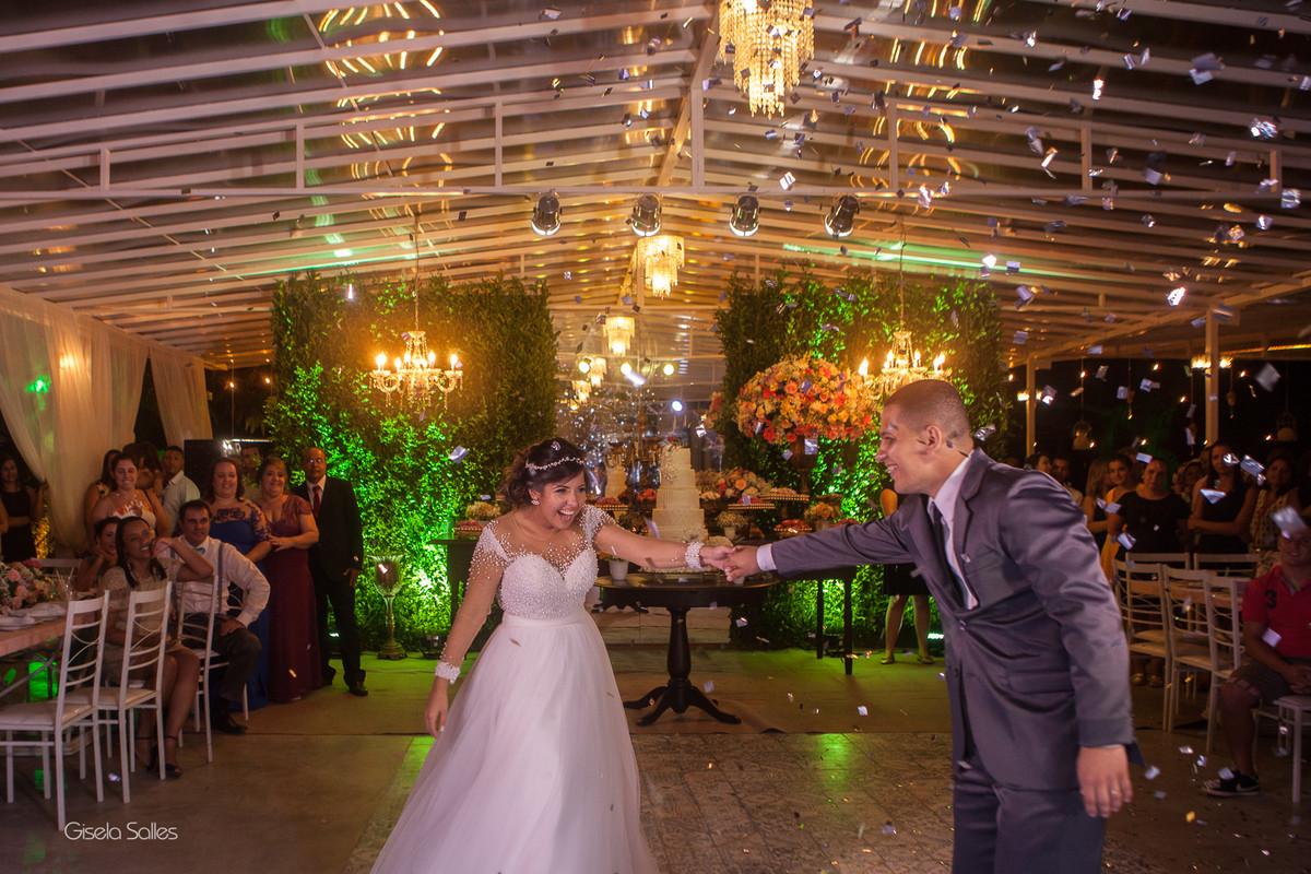 Casamento no Espaço Batalha em Cantagalo-RJ, dia de casamento, casando na serra, fotografia Gisela Salles, fotografia com emoção, casamento no campo,festa de casamento, primeira dança do casal