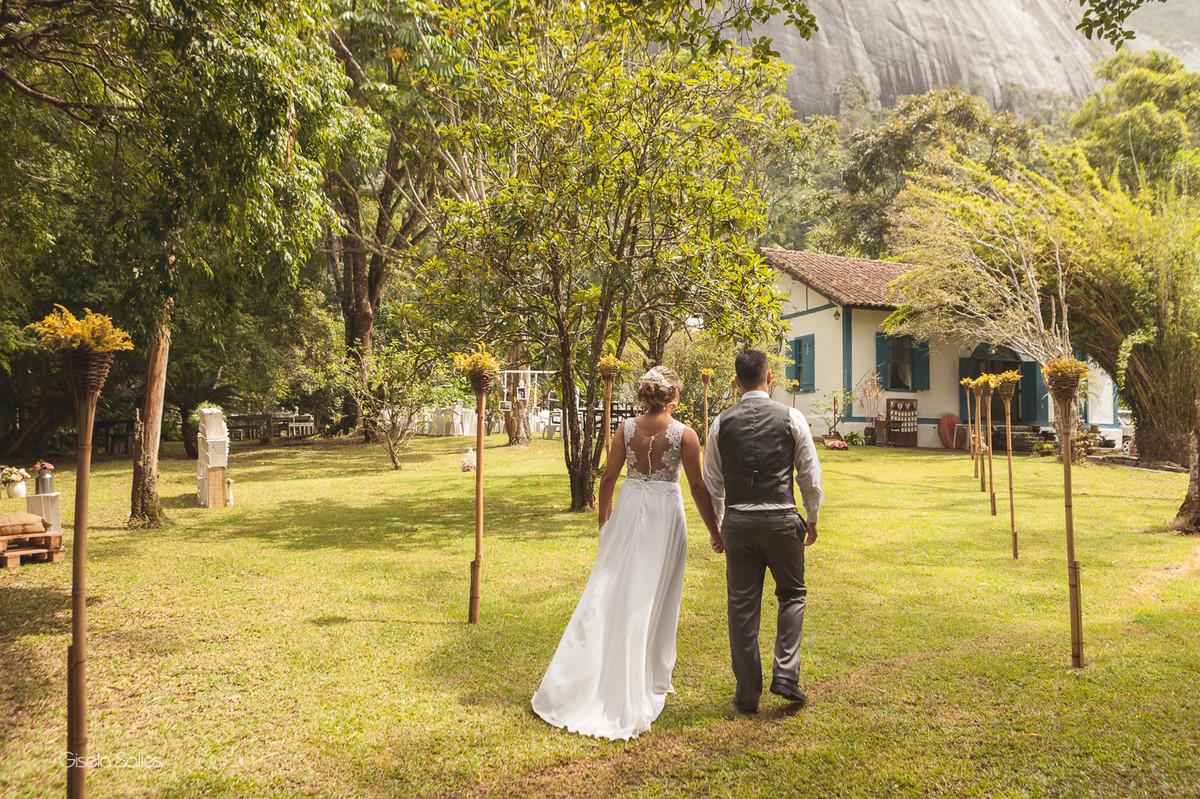 fotografia casamento Bom Jardim, casamento de dia no campo, casando no sítio, saída do casal