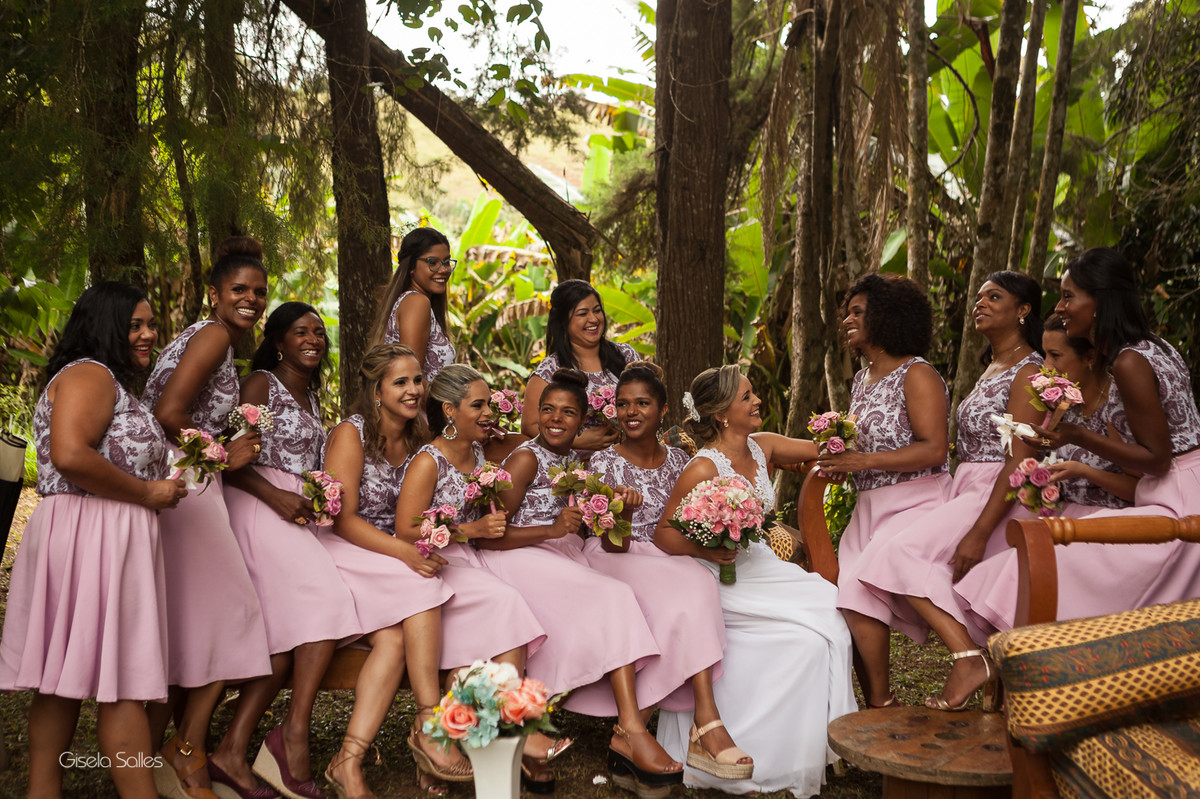 fotografia casamento Bom Jardim, casamento de dia no campo, casando no sítio, madrinhas no casamento