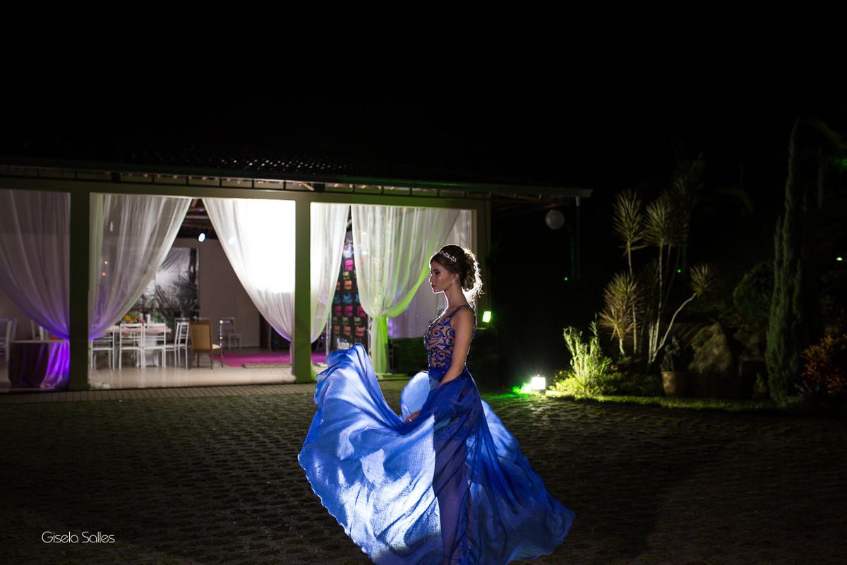 making of na casa em Bom Jardim - RJ, fotografia de aniversário de 15 anos, foto estilosa,