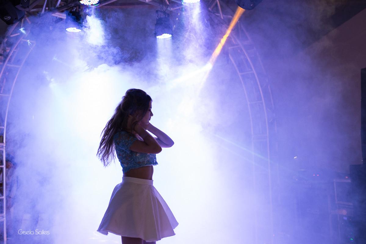 pista de dança, iluminação para pista de dança, fotografia de 15 anos, Gisela Salles, fotografia de 15 anos em Bom Jardim