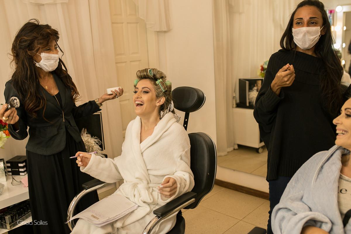 making of da noiva,maquiagem, noiva com sua mãe, noiva no salão de beleza