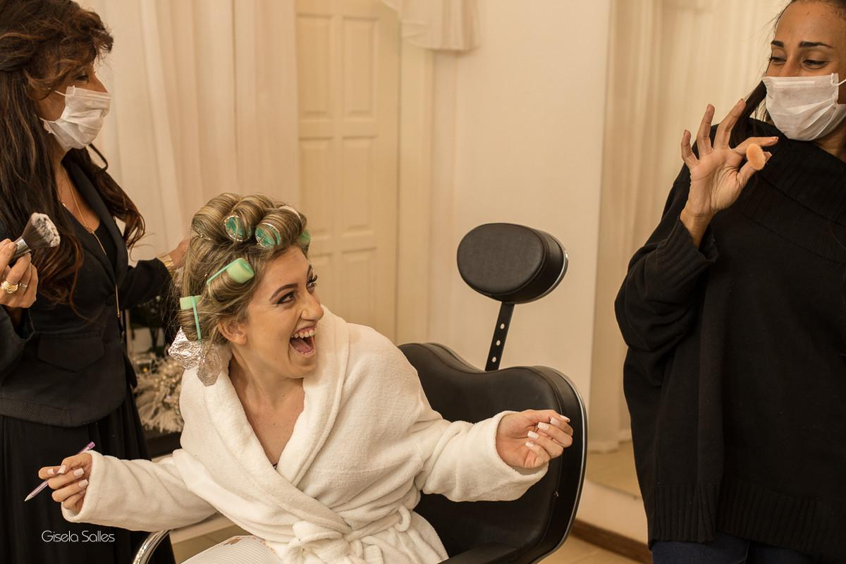 making of da noiva,maquiagem, noiva com sua mãe, noiva no salão de beleza, dia da noiva