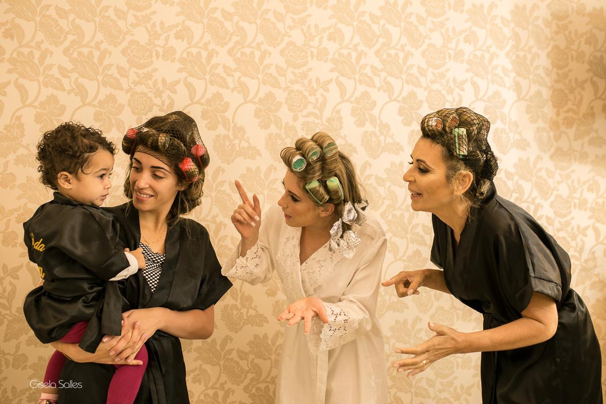 making of da noiva,maquiagem, noiva com sua mãe, noiva no salão de beleza,noiva e sua família