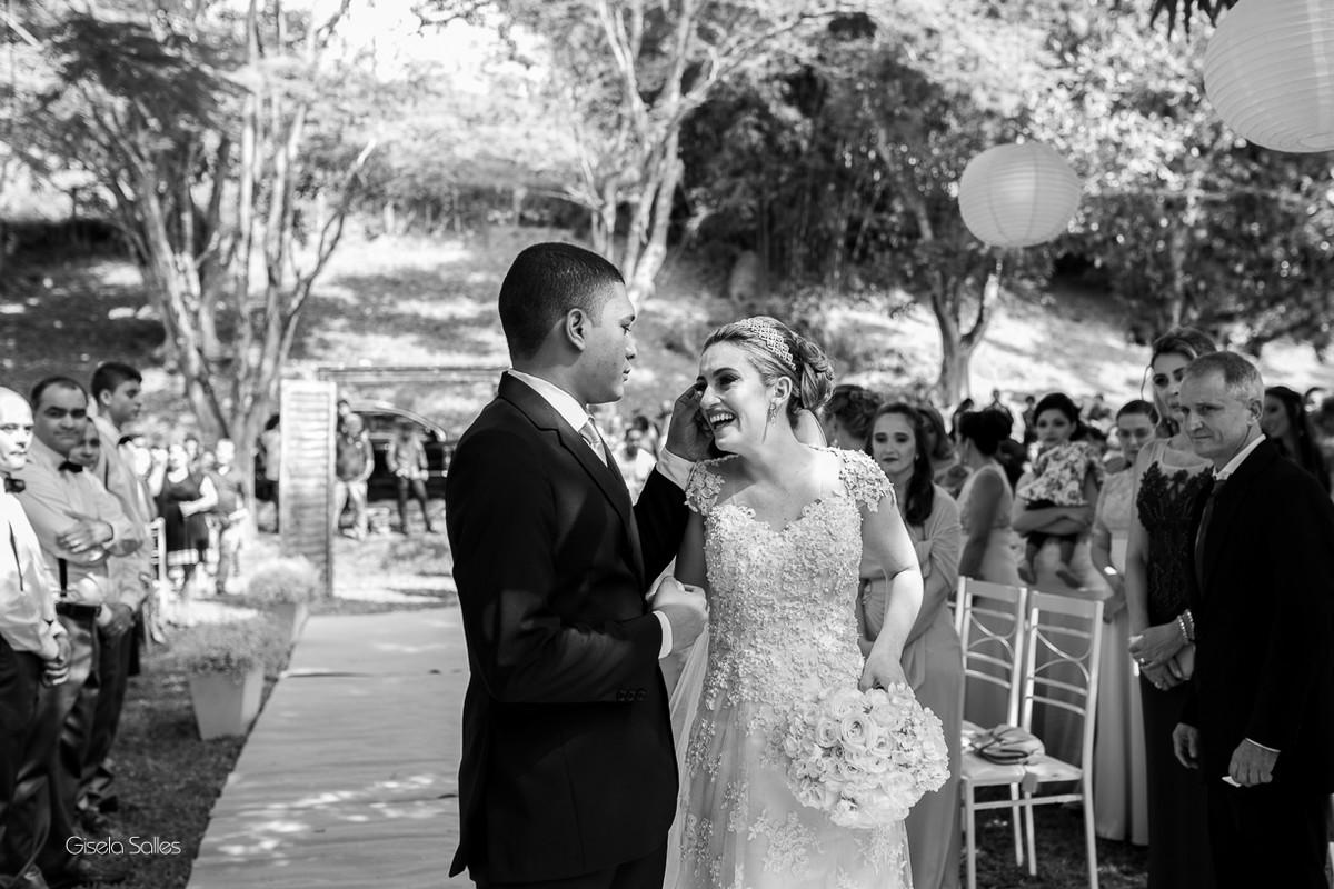 cerimônia religiosa na Fazenda da Alegria, casamento de dia, casamento no campo, Fotografia Gisela Salles, Cordeiro-RJ