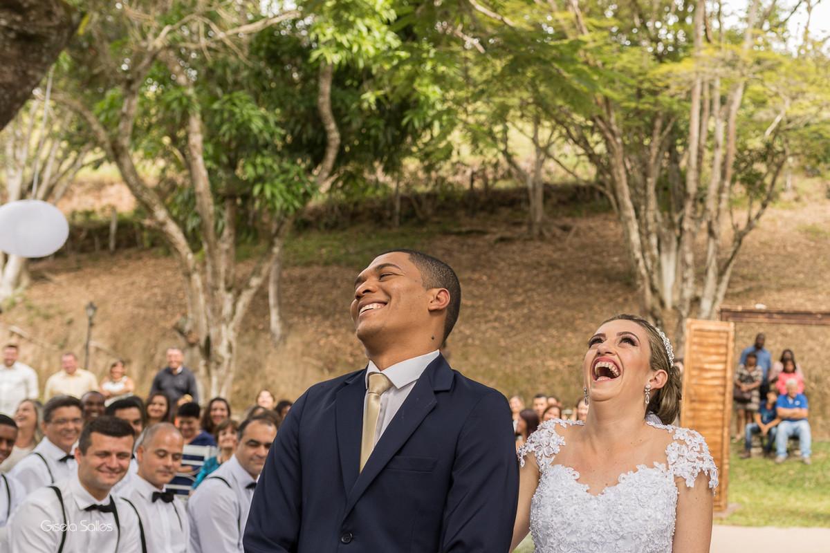 cerimônia religiosa na Fazenda da Alegria, casamento de dia, casamento no campo, Fotografia Gisela Salles, Cordeiro-RJ, fotojornalismo no casamento