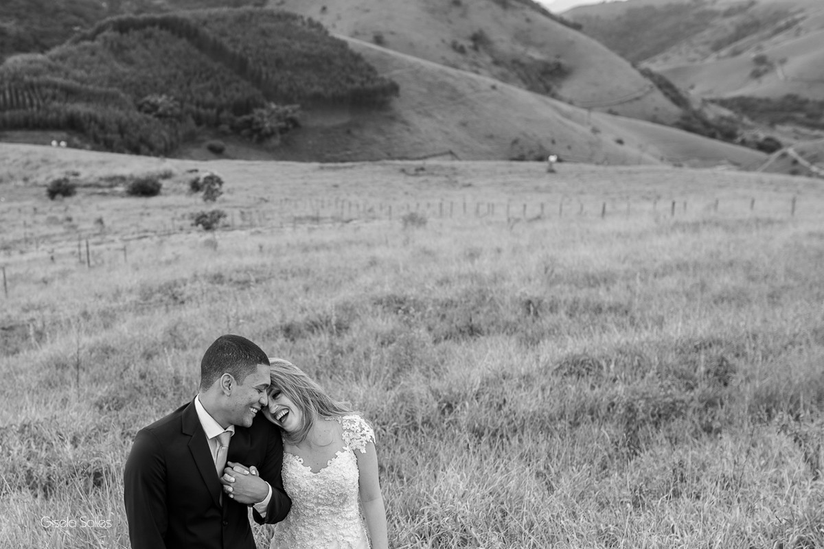 ensaio dos noivos, fotografia dos noivos, fotografia de casamento em Cordeiro-RJ, foto dos noivos em preto e branco