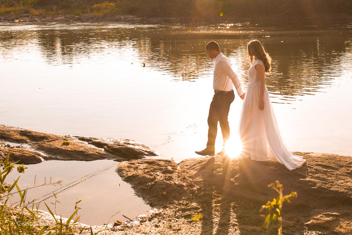 ensaio pós wedding em Itaocara-RJ, fotografia Gisela Salles, por do sol