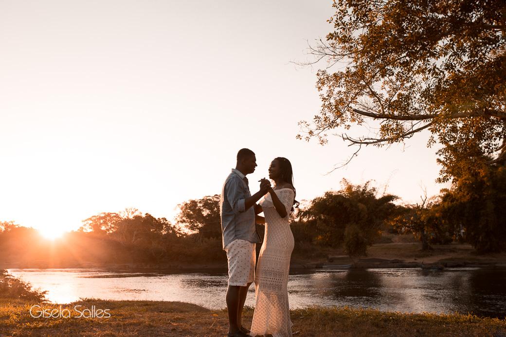 ensaio casal, ensaio pré casamento, ensaio pré wedding, noivos, ensaio de noivos em Itaocara-RJ,foto de noiva