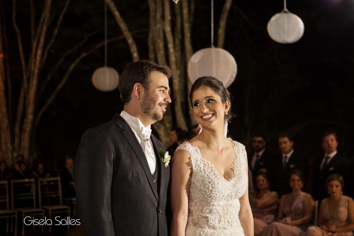 Cerimônia noturna em local aberto,iluminação perfeita Julio Jac,Decoração Emic
